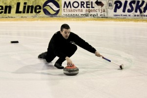 Pete curling in Slovenia