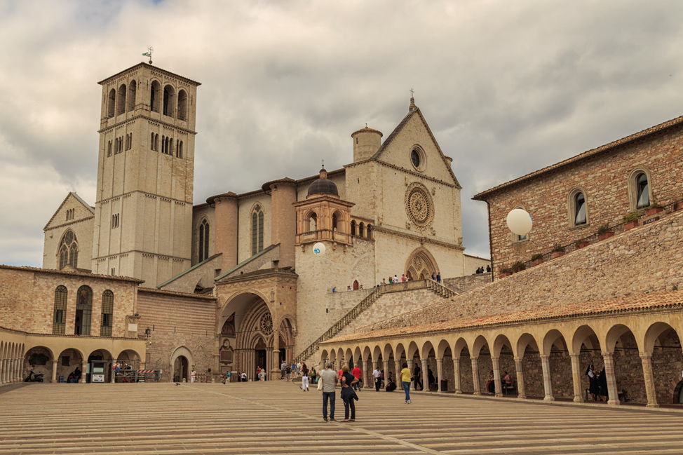 a photographic tour of umbria hecktic travels