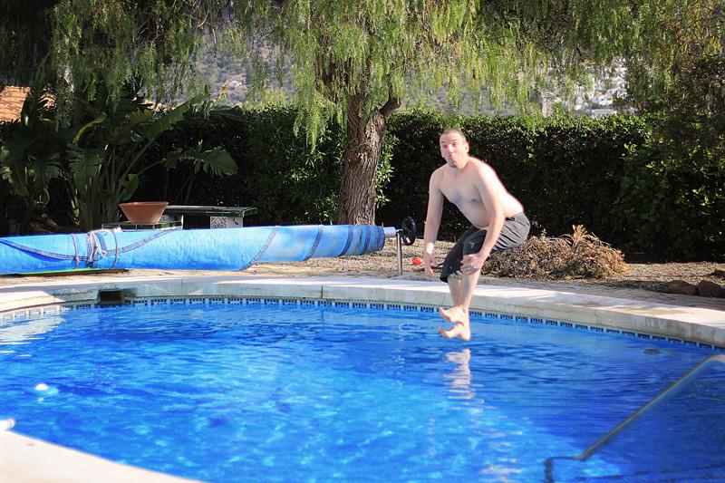 Pete swim