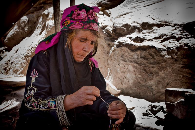 Bedouin lady, Petra, Jordan