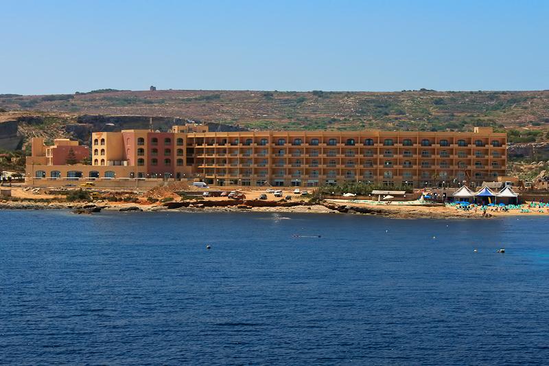 Paradise Bay Hotel - room photo 4932205