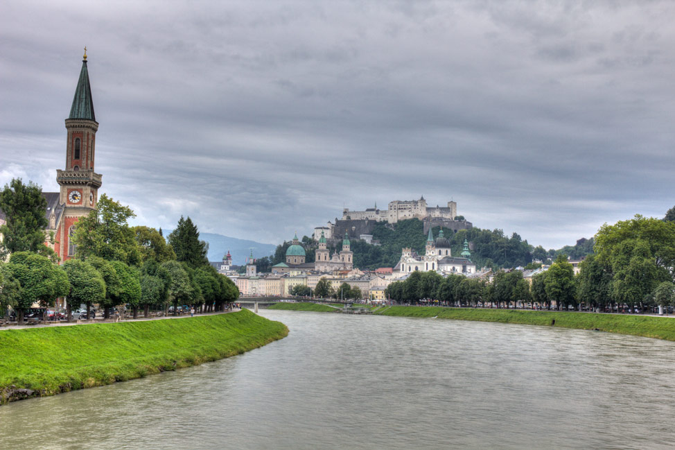 Salzburg-Balls-01