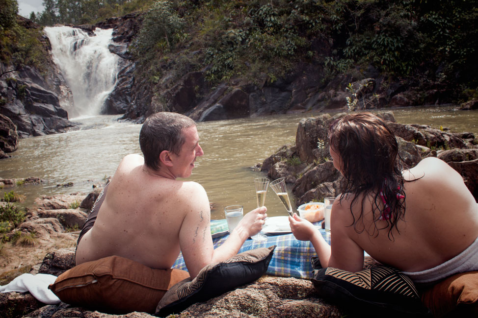 Belize-Waterfall-Picnic-06