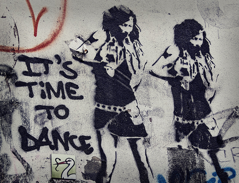Berlin Street Art - Time to Dance
