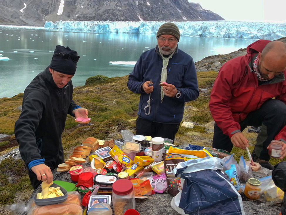 Greenland Tours Back to the Wild - Lunch is Served