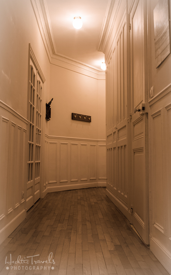 Go With Oh Paris - Hallway of Flat