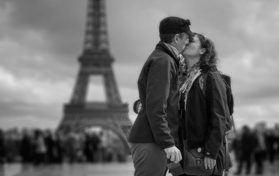 Eiffel Tower Smooch