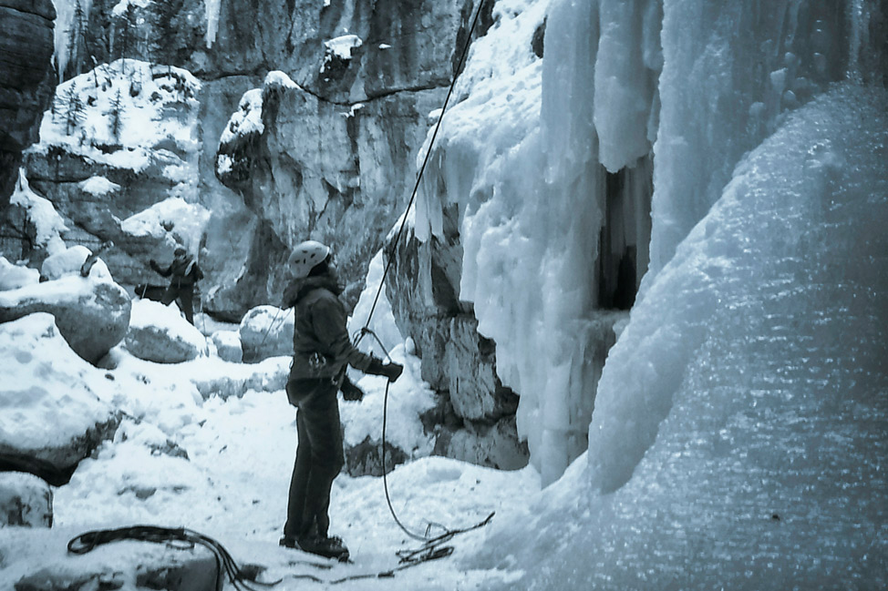 Jasper Maligne Canyon Ice Walk 7