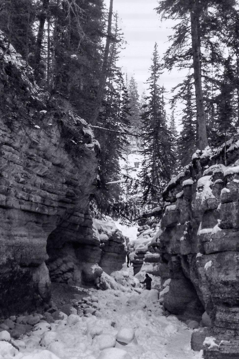 Jasper Maligne Canyon Ice Walk 8