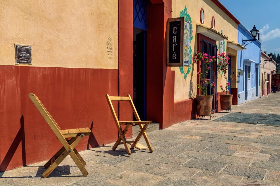 Yellow-red-street-Oaxaca-Mexico