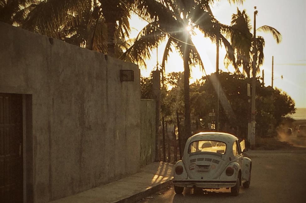 Puerto-Escondido-Side-Street