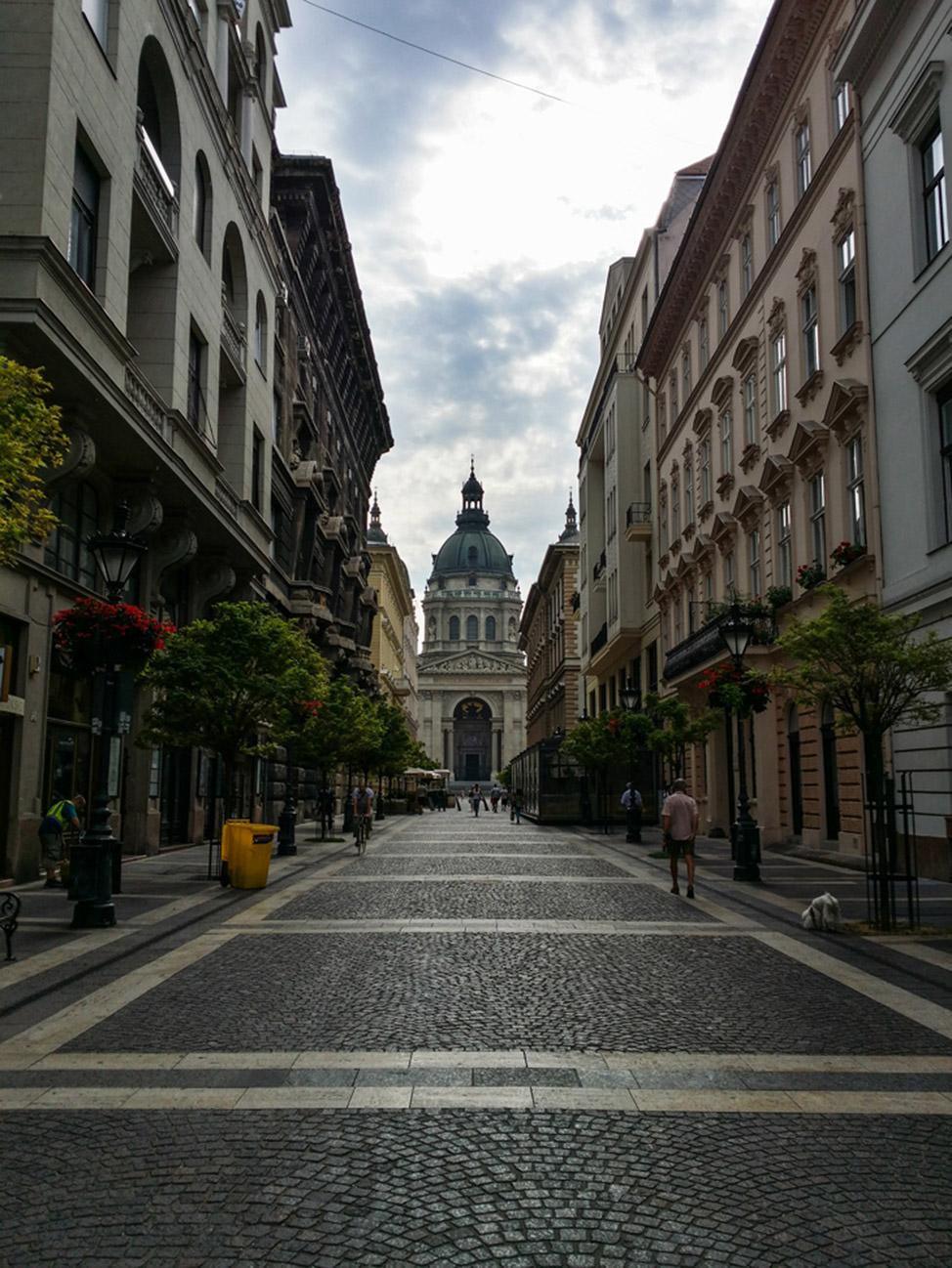 Budapest-Running-Tours-St-Stephans-974x1298