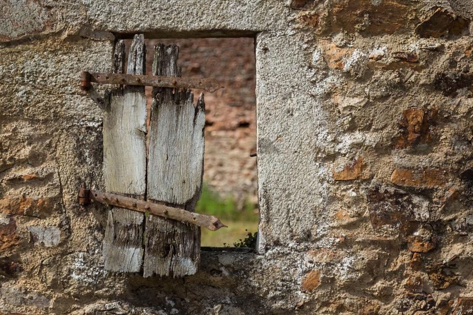 Oradour Window