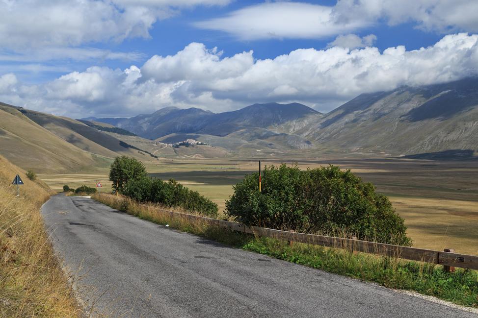 Road to Castellucio