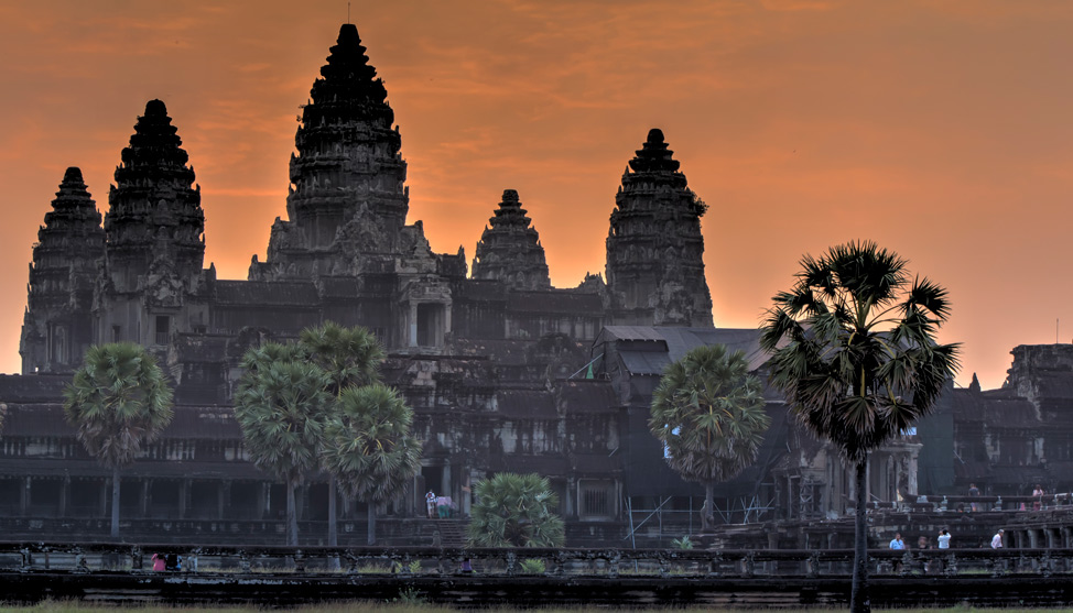 Sunrise at Angkor Wat thumbnail