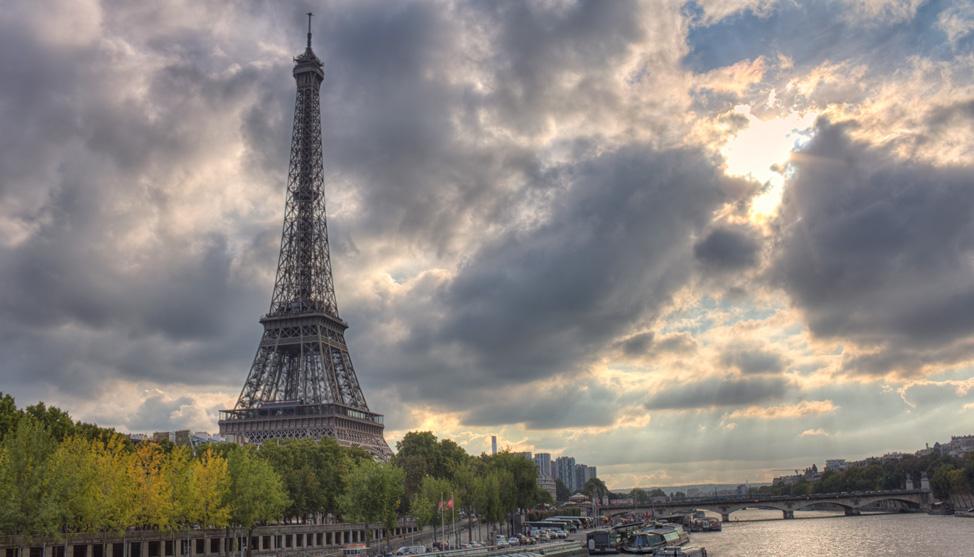 Along the Seine thumbnail