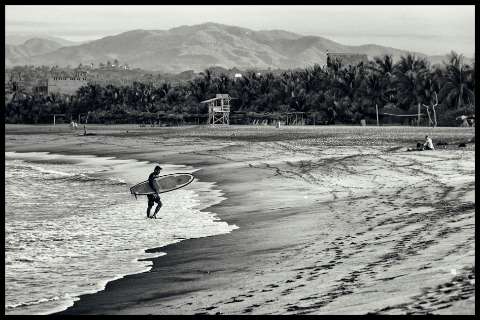 Puerto-Escondido-Morning-Surf-Postcard