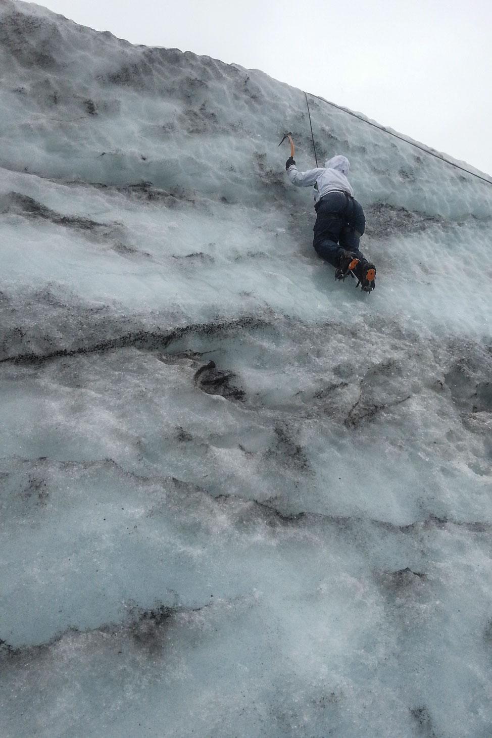 Glacier-Walk-Iceland-14