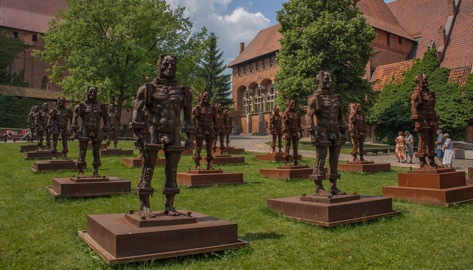 Malbork Castle in Photos thumbnail