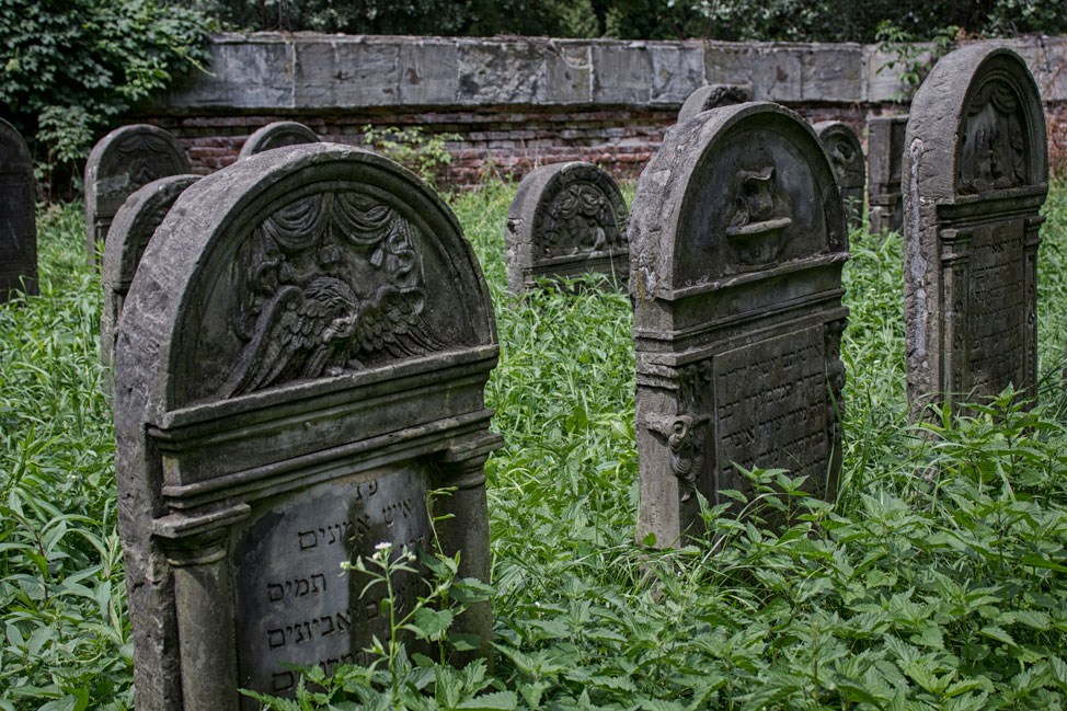 Warsaw-Jewish-Cemetery-03