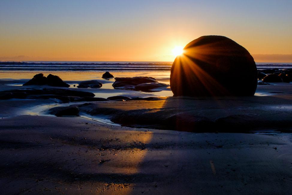 Moeraki Boulder Sunrise