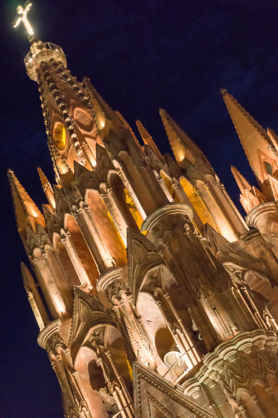 La Parroquia San Miguel de Allende - Close Up