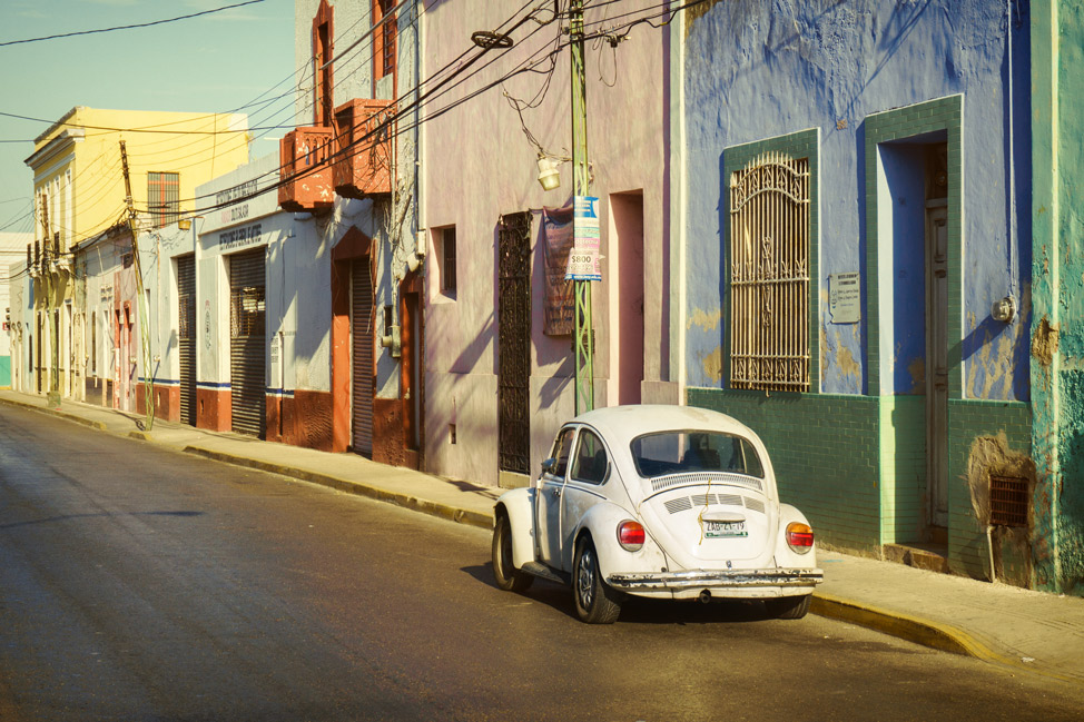 White VW Beetle Mérida