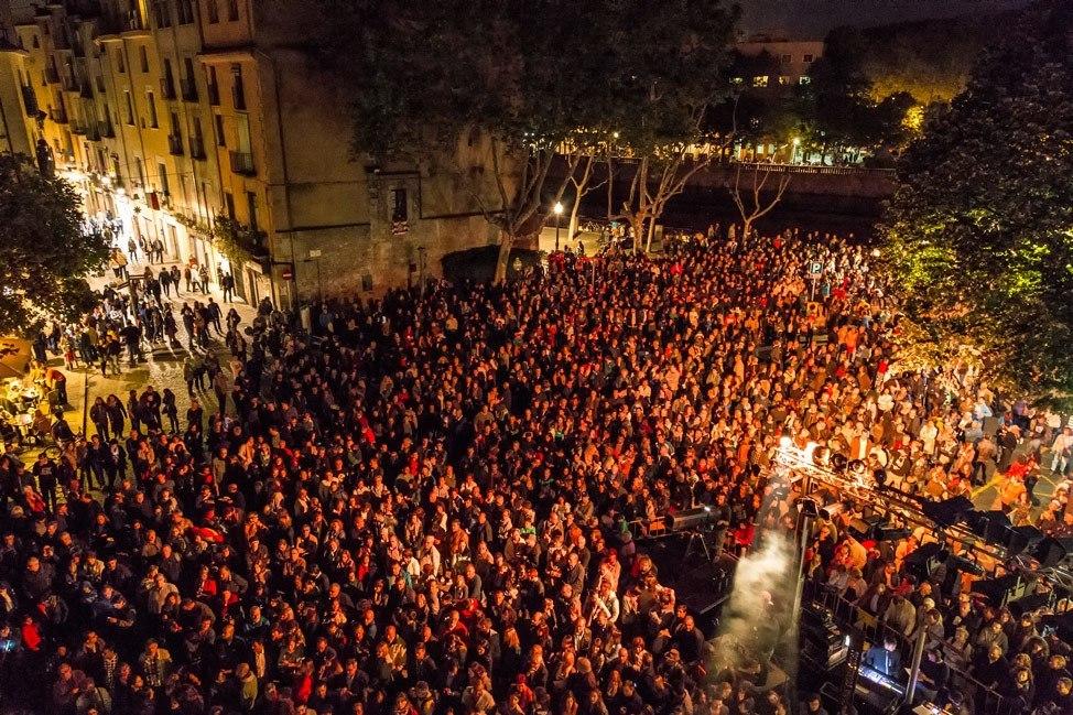 Temps de Flors Night Celebration Crowd