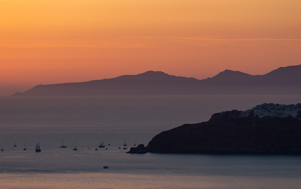 The orange and pinks skies in Santorini during sunset