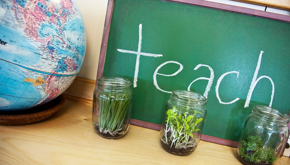 How to Teach English Abroad thumbnail